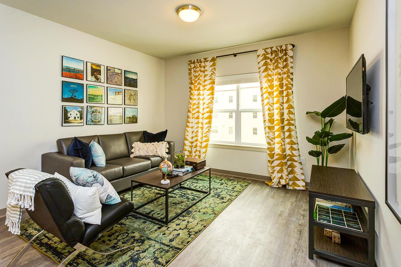WWU off-campus-apts-living room