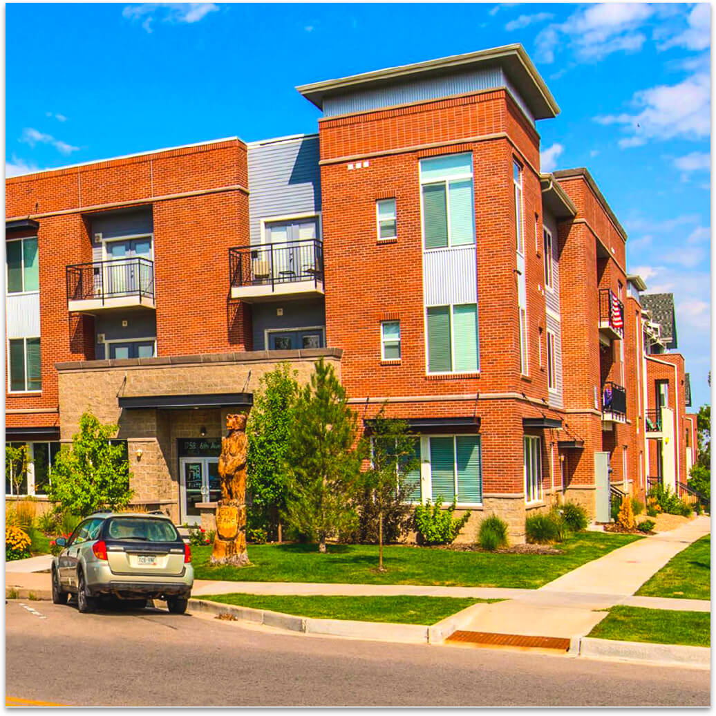 off-campus student living apartments in greeley, co