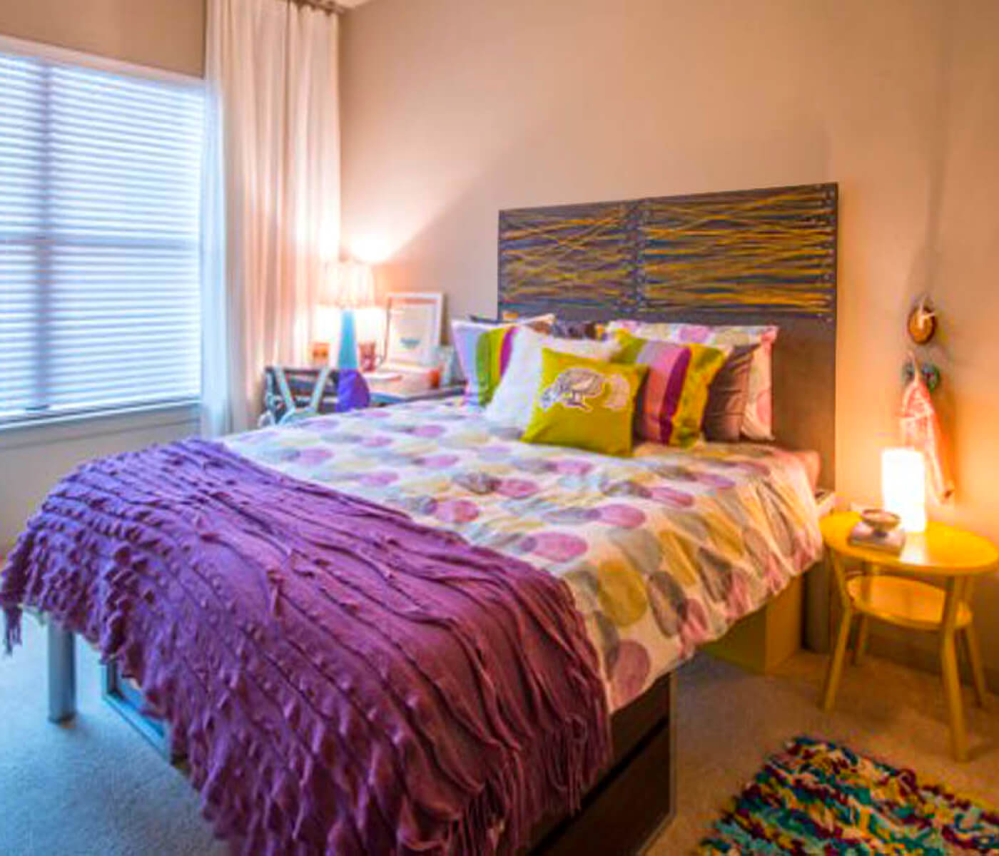 Loft-Vue-off-campus-student-housing-apts-bedroom
